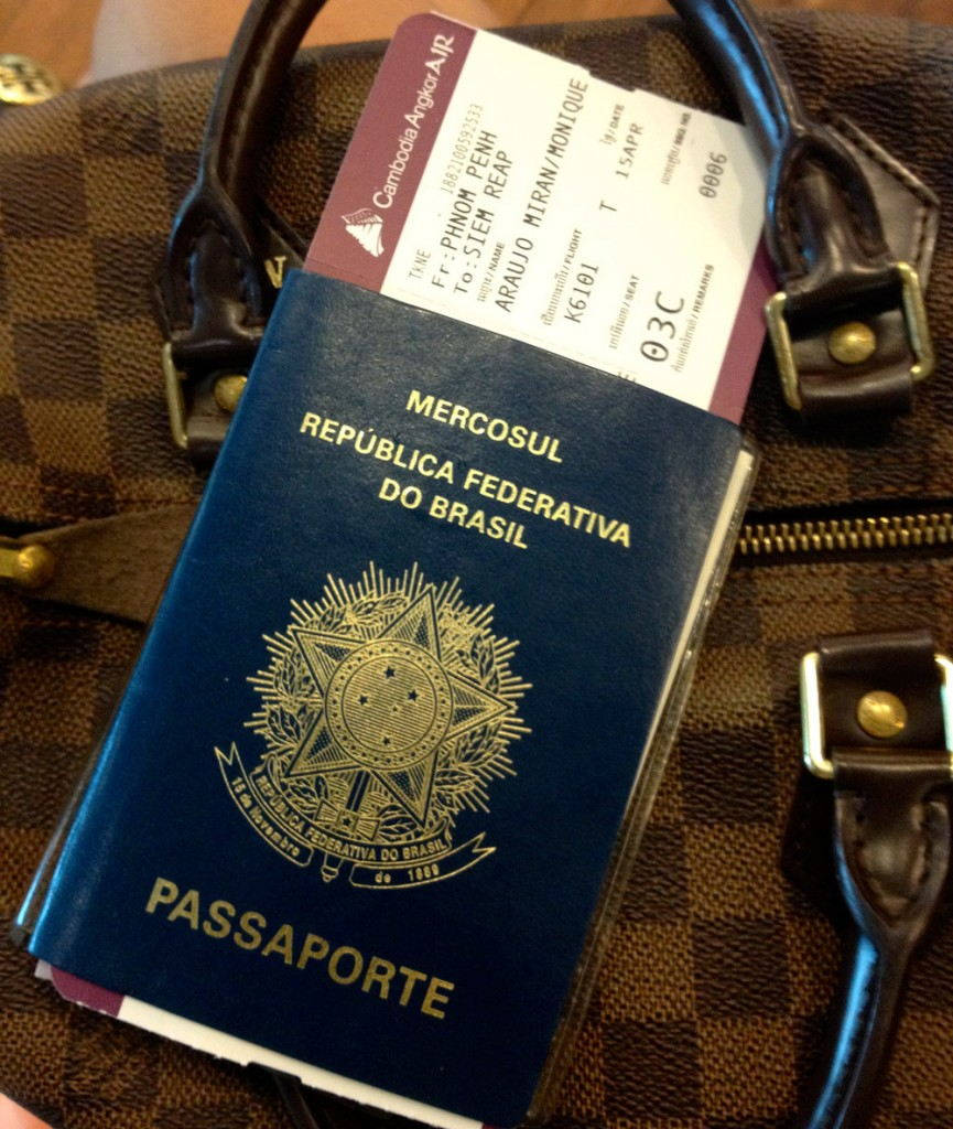 monique-camboja-aeroporto
