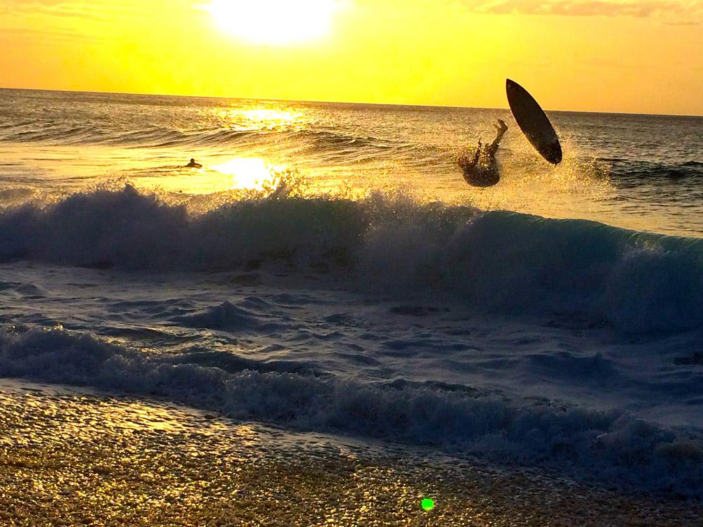 Por do Sol e Surf n Banzai Pipeline